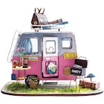 Happy Camper Miniature Kit - 1:24 Scale Project Wood Cloth Paper & Metal (1)